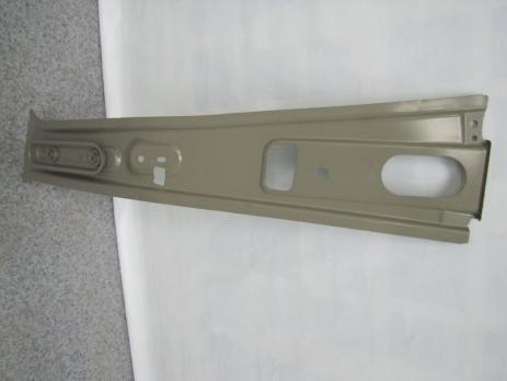 Накладка центральной стойки боковины внутренняя правая в сб  LADA XREY